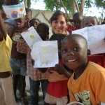 "kids at HOH with ""messages of hope"" from Leo Baeck Hebrew Day School"